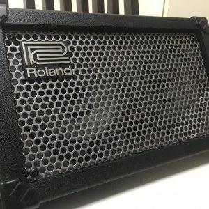 路上ライブ&弾き語り用アンプの決定版!Roland street CUBE