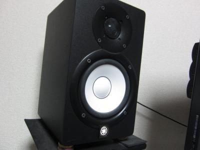 あらゆる部屋に対応可能なモニタースピーカー YAMAHA HS5のレビュー