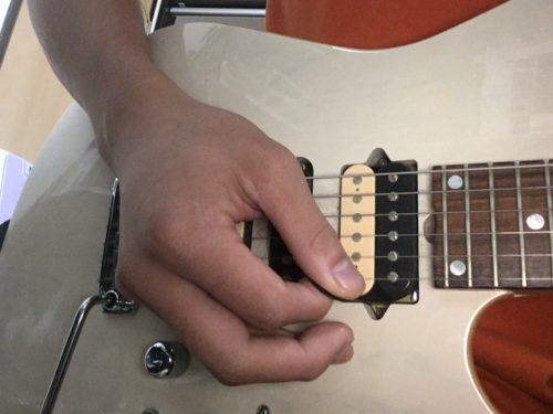 ギター ピッキング 位置